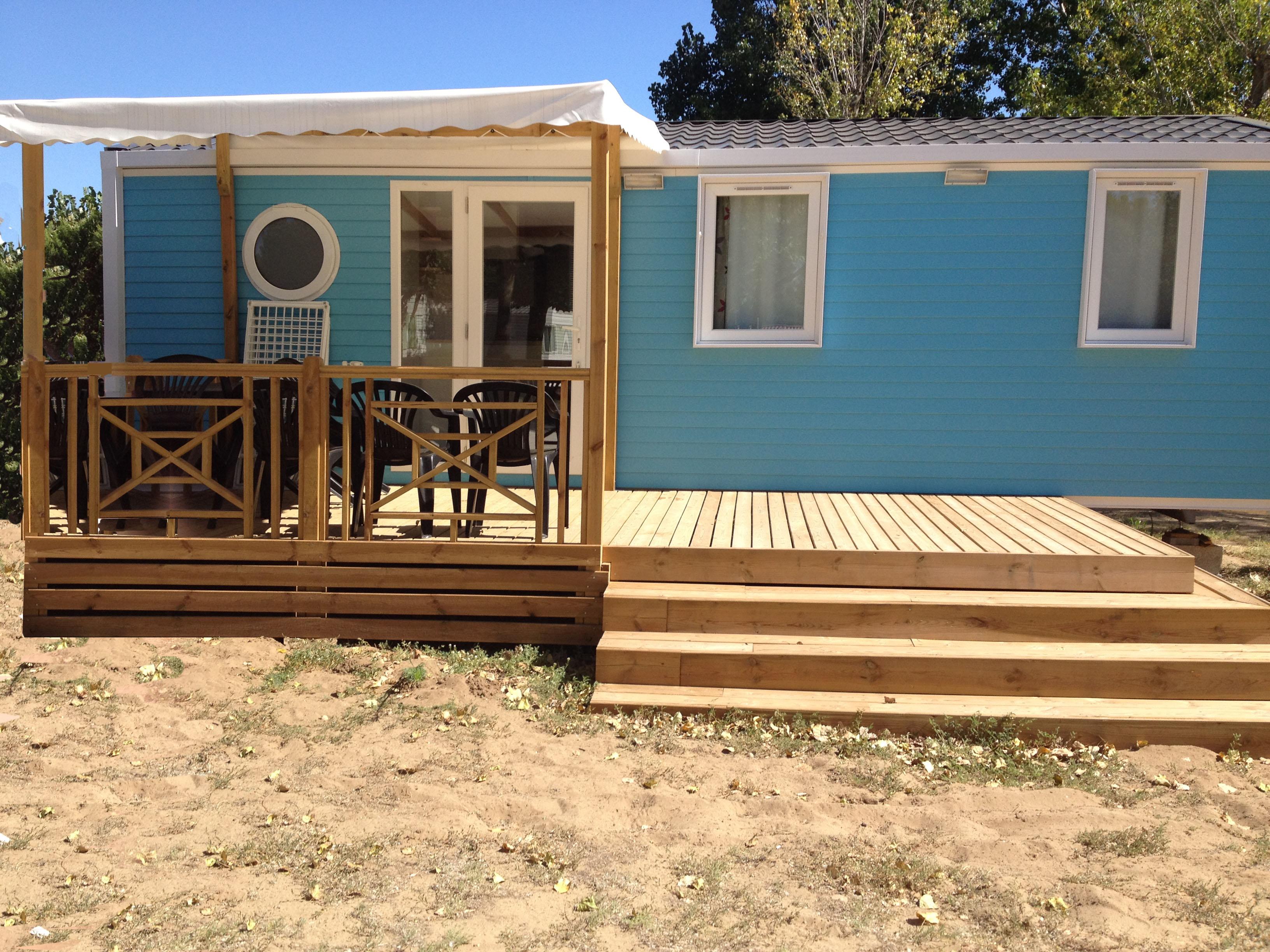 terrasse mobil home en bois mobil 39 homes pro. Black Bedroom Furniture Sets. Home Design Ideas